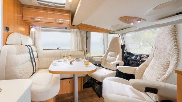 Luxus Wohnmobile in  Ellhofen
